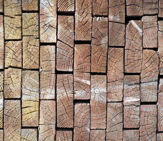 Derfor er planker blevet et populært indretningsmateriale